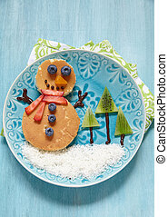 Christmas morning breakfast pancakes - Funny snowman...