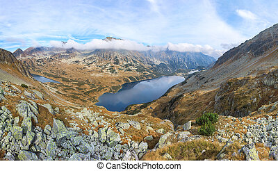 Autumn landscape of Tatras mountains - stunning panorama of...