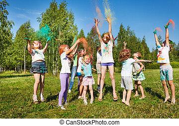 na wolnym powietrzu, barwny,  fest, dzieciaki, proszek, interpretacja