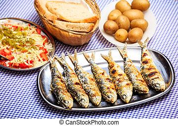 grelhados, pão, salada, sardinhas, batata