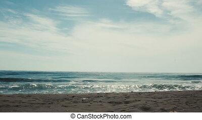 ea waves beat the shore slowmotion - ea waves beat the shore...