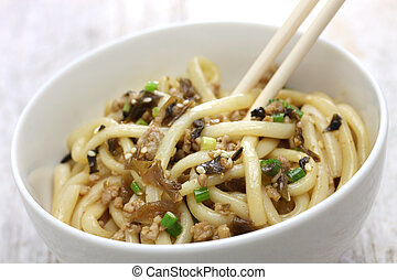 dan dan noodles, chinese sichuan cuisine, mixing the noodles