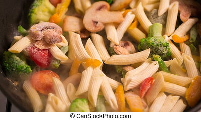 Primavera Pasta with mushrooms from the freezer