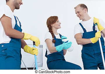 Cleaners having break