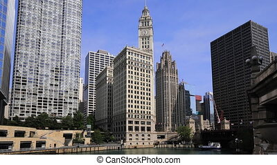 The busy Chicago Riverwalk on a beautiful day - Busy Chicago...