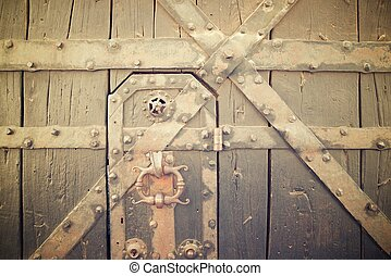 Old door view - Old door in Hau Koenigsbourg Castle, Alsace,...