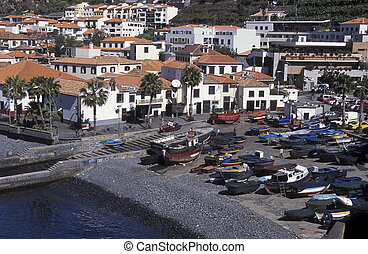 EUROPE PORTUGAL MADEIRA FUNCHAL CAMARA DE LOBOS - the city...