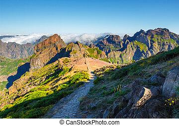 Pico Ruivo and Pico do Areeiro, beautiful mountain...