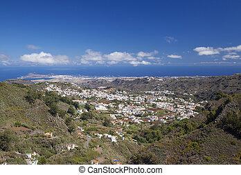 Gran Canaria, hiking path Cruz de Tejeda - Teror, view...
