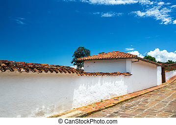 White Colonial Architecture - White colonial architecture in...