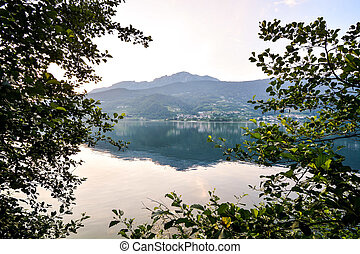 Lake Lago di Caldonazzo - Photo Lake Lago di Caldonazzo on...