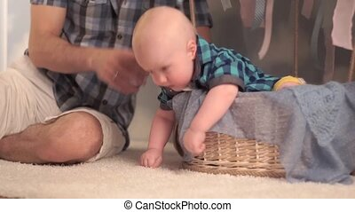 Dad with baby - Dad with a baby in the basket of the balloon
