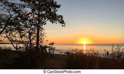 sunset on the lake timelapse - Beautiful sunset on the lake...