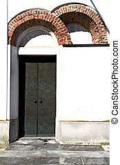 caiello rusty door curch closed italy lombardy - caiello...