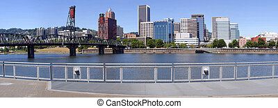 Skyline panorama, Portland Oregon. - The downtown Portland...