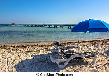 Key West summer holidays - Deck chairs and beach umbrellas...