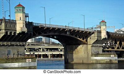 Burnside Bridge Zooming Out - View of Burnside Bridge in...
