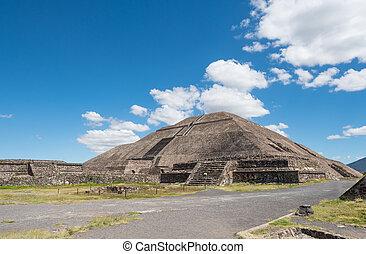 sol, pirámide
