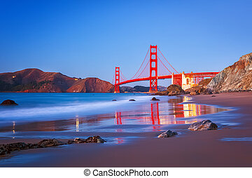 Golden Gate Bridge at dusk, Sun Francisco