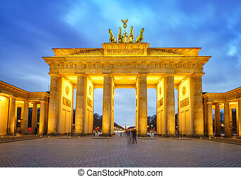Brandenburg gate at dusk, Berlin