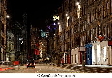 Old town at night. Edinburgh. UK. - Royal Mile in old town...