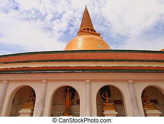 NAKORNPRATHOM,THAILAND-October 1:Pra Pratomjedi,the biggest...