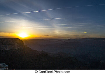 Sunset at the Grand Canyon - Grand Canyon (AZ, USA) is up to...