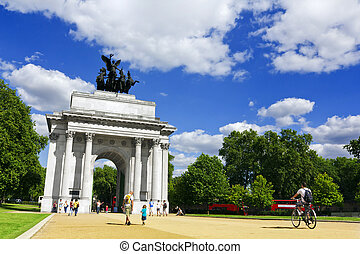 The Wellinton Arch at Hyde Park Corner, London