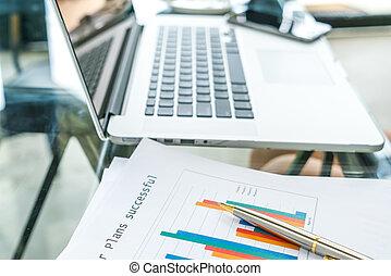 tavola,  laptop, finanziario, tabelle