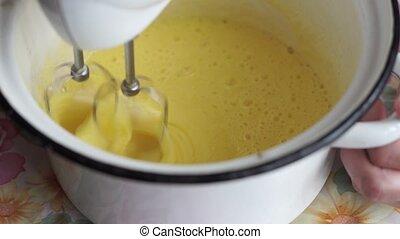 Blending Egg Yolks