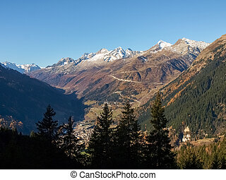 Hiking in the mountains - Foisc Quinto, Switzerland: Hiking...