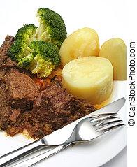 Pot roast stewed steak dinner - A meal of stewed beef steak...