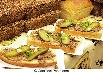 sandwich with lard and cucumber