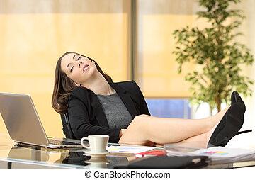 perezoso, cansado, mujer de negocios, trabajo, sueño, o