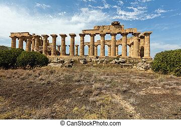Temple E in Selinunte