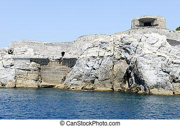 Island of tino near Portovenere - Fortless at island of Tino...