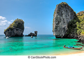 Phi phi island - Beautiful bay of Phi Phi island at day time