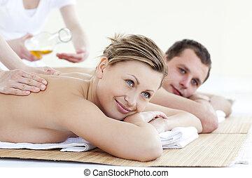feliz, joven, pareja, el gozar, espalda, masaje, aceite,...