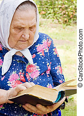 The old woman with the bible