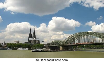 Time lapse Cologne - Time lapse clouds over Cathedral in...