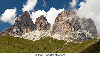 Plattkofel and Grohmannspitze, Italien European Alps -...