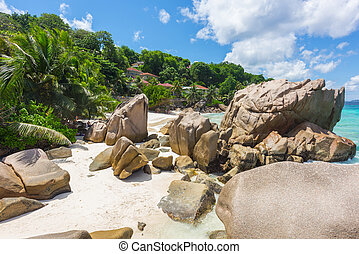 Anse Patates - Beautifully shaped granite boulders and a...