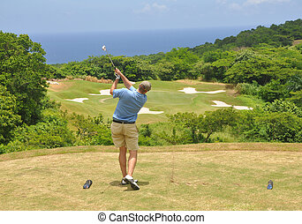 Ocean golf - Par 3 on a golf course in Jamaica