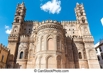 Backside of the cathedral in Palermo