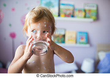 pequeno, varicela, água, vidro, bebendo, menina