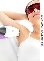 Depilation armpits - Woman on laser hair removal