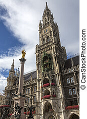 Rathaus - Mariensaule - Munich - Germany - The New Town Hall...