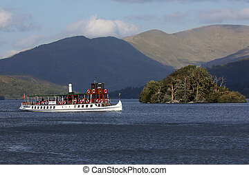 Tourist boat - Lake Windermere - Lake District - England -...