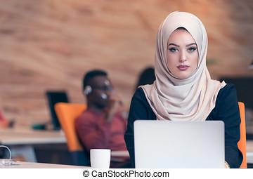 Porter, femme, Hijab, fonctionnement, Business, bureau,...