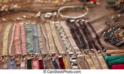 Beauty Fair in Russia. Choosing jewelry for women - Beauty...